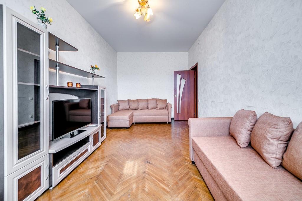 Московский пр., 195 (7 этаж)